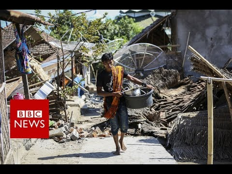 Lombok earthquake: Moment the quake struck caught on camera - BBC News