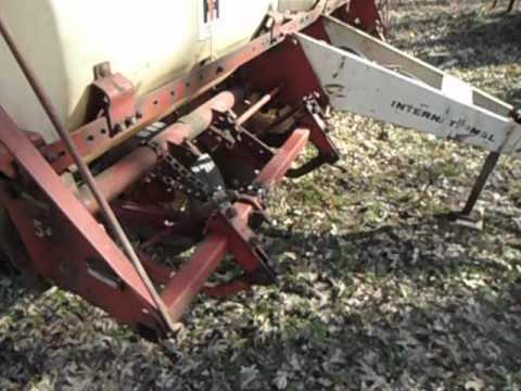 New IH 56 Corn Planter Part 1