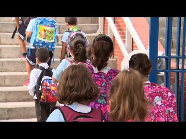 Las dos hermanas del colegio de Cáceres no podrán entrar sin mascarilla