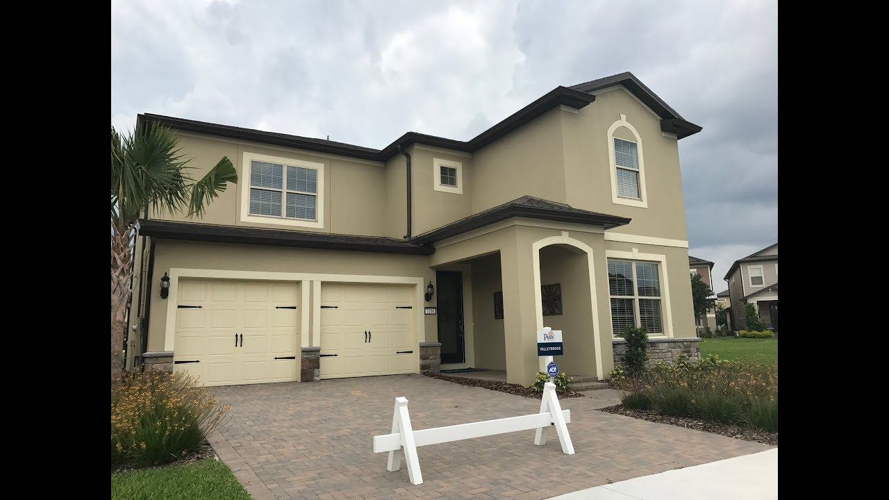 valleybrook model at lakeview pointe by pulte homes in winter