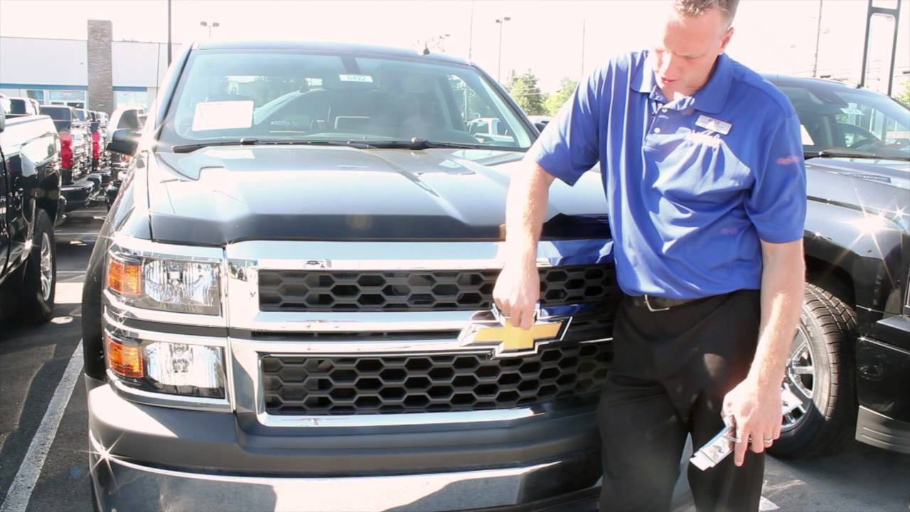 Louisville Chevy Dude Black Bow Tie From The Factory On Silverado 2015 Truck Paint Colors Bachman Chevrolet Youtube