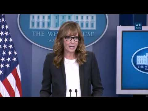 CJ Cregg Returns To White House Briefing Room