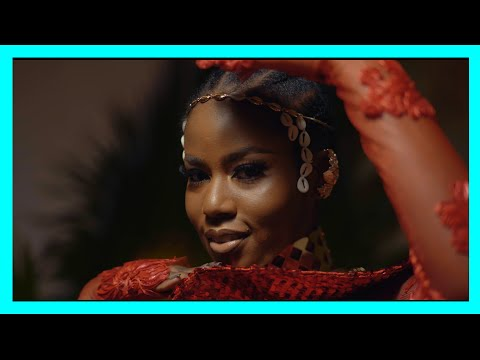 Смотреть клип Yaw Berk Ft. Kelvyn Boy & Mzvee - Independent Lady Remix