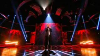 Matt Cardle sings Bleeding Love - The X Factor Live show 4 (Full Version)