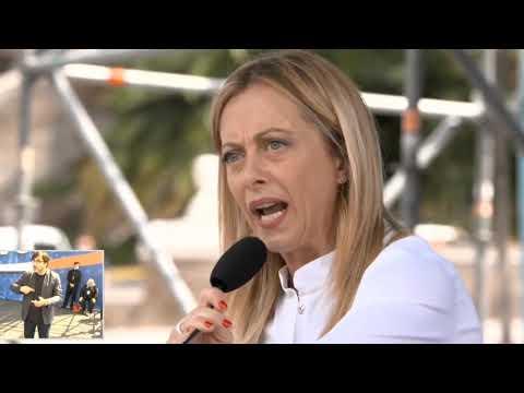 Una straordinaria Giorgia Meloni a piazza del Popolo: Esasperati da questo Governo. Elezioni subito!