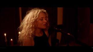 Janet Devlin - Better Now (Live @ A&B2 Studio)