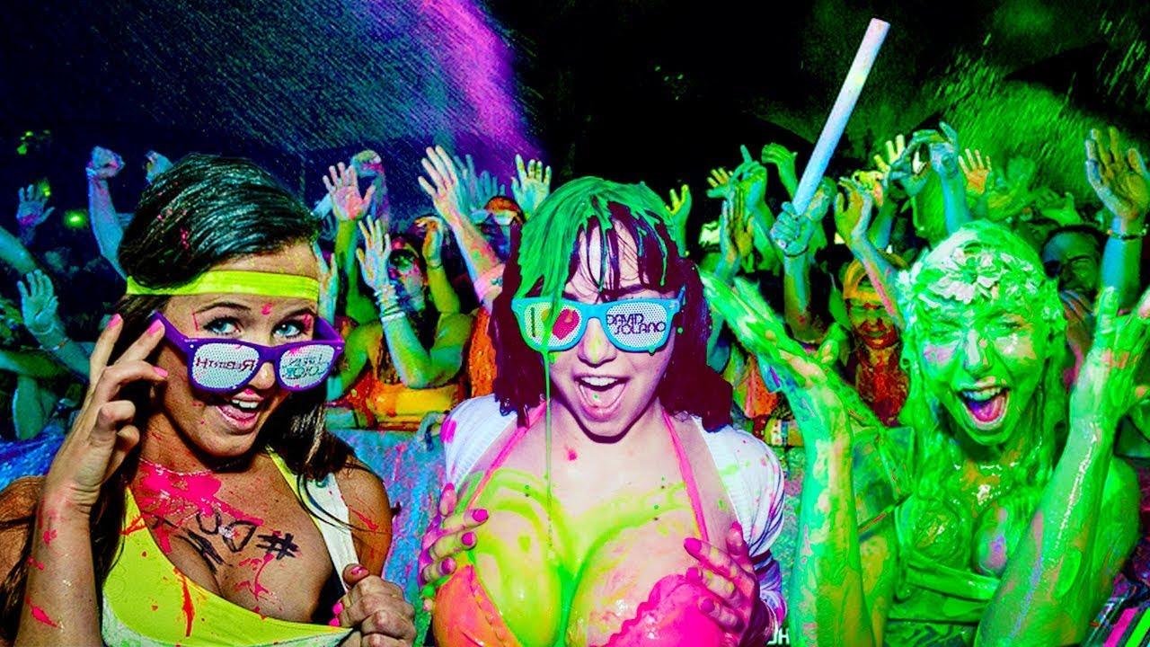 Resultado de imagem para colorful rave