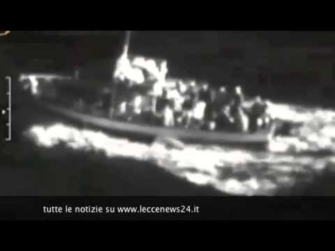 CRONACA - Sbarcano a Gallipoli circa 700 migranti, tra loro donne e bambini