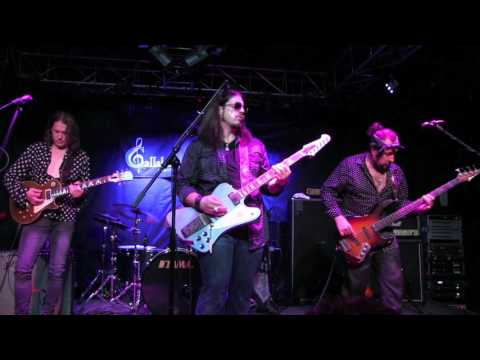 ''LET IT BE'' - SUPERSONIC BLUES MACHINE Wsg ROBBEN FORD @ Callahan's, July 2017