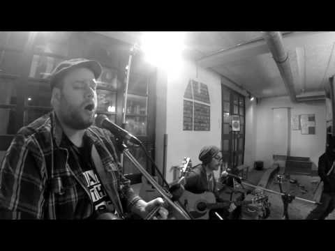 idiotlights - alright kid @first acoustic show