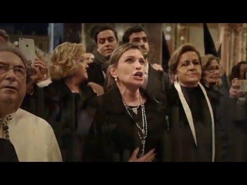 AVE MARIA --Ainhoa Arteta reza a la Esperanza Macarena