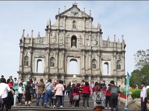 Macau, walking around near the Ruins of St Paul Cathedral