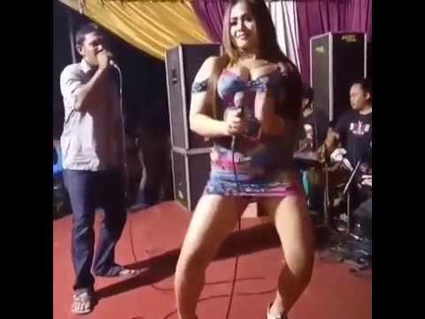 Goyang panas penyanyi dangdut seksi