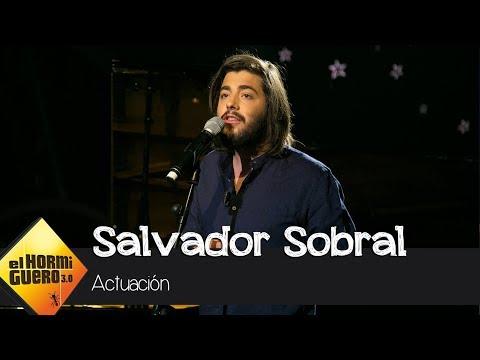 Salvador Sobral nos fascina con su canción † Prometo não prometer † - El Hormiguero 3.0