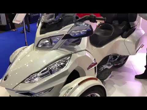 Dubai Taxi Corporation unveils a three-wheeler