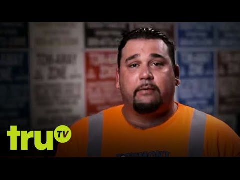 South Beach Tow  Cage Fighter Gets Car Towed