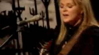 Watch Carolyn Dawn Johnson Got A Good Day video