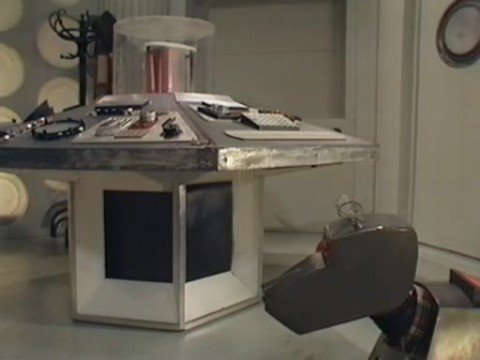 [Doctor Who] K-9 Talks with the Tardis