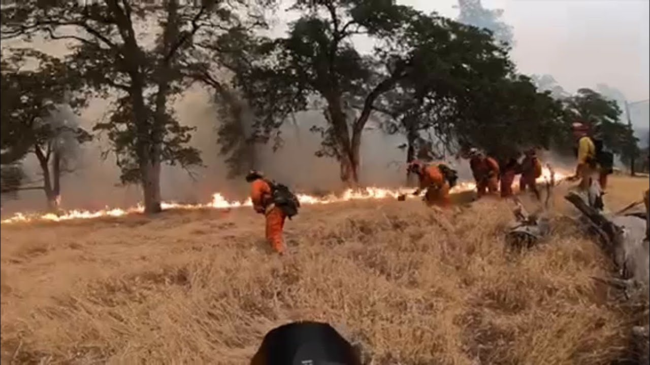 Firefighters try to stop Carr Fire as it advances toward Igo on Saturday