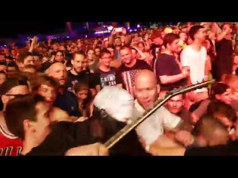 Limp Bizkit Volt Fesztivál 2018 Wes Borland in the crowd