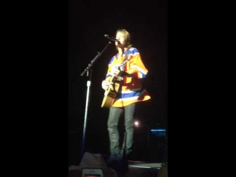 Keith Urban Rexall Place Edmt July 22, 2016 Stupid Boy Acoustic