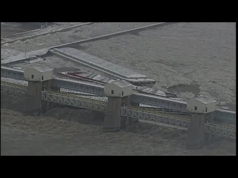 RAW VIDEO: Barges Lodged Against Emsworth Locks & Dam