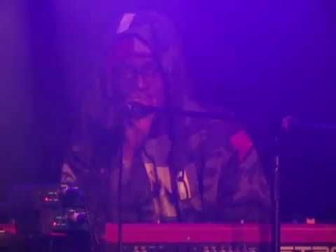 Illa J sings D'angelo's Brown Sugar - Live + Classic Illa J