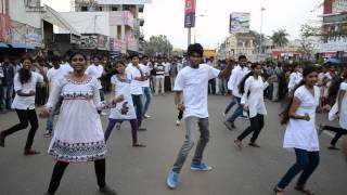 flash mob in bhimavaram on swatch bharath by srkr on 21st oct 2014