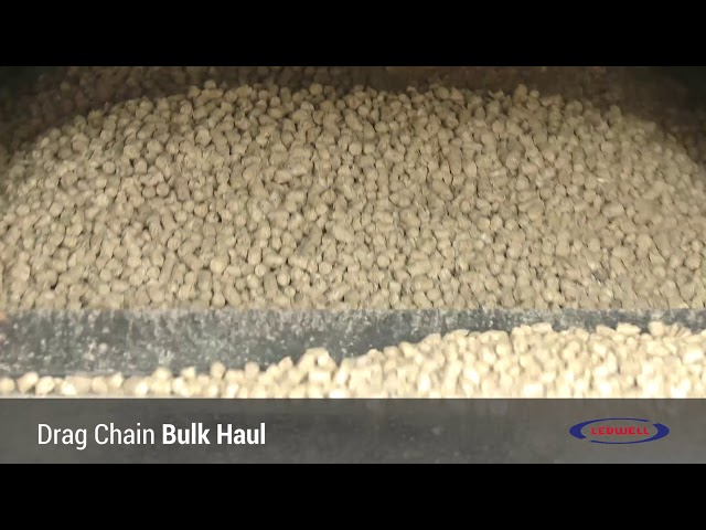 Ledwell Drag Chain Bulk Feed Trailer at Work