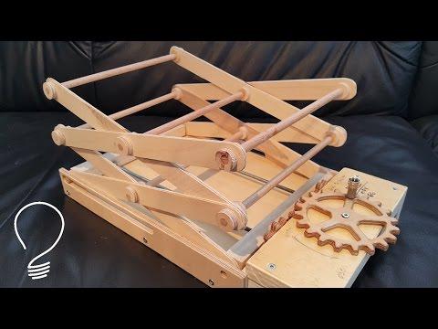 Homemade Scissor Lift (Using Wooden Gears)