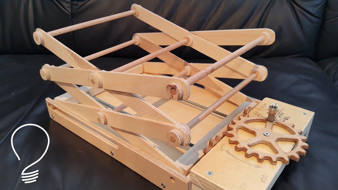 Scissor Lift (Using Wooden Gears