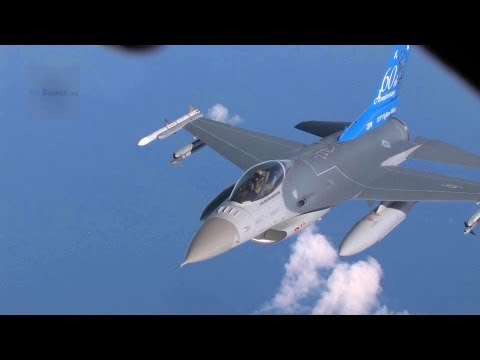 F-16 Flying in Formation