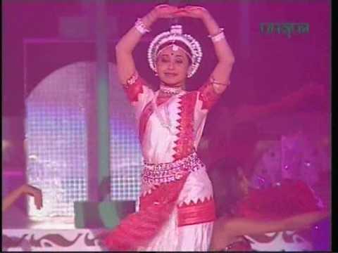 Rani Mukherjee - a-la odissi @IIFA 2003