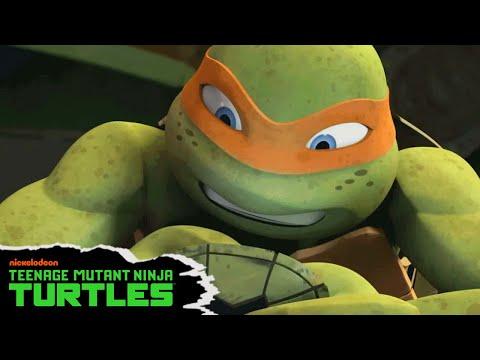 Teenage Mutant Ninja Turtles | Mikey's So-Shell Feed 📱 | Nick