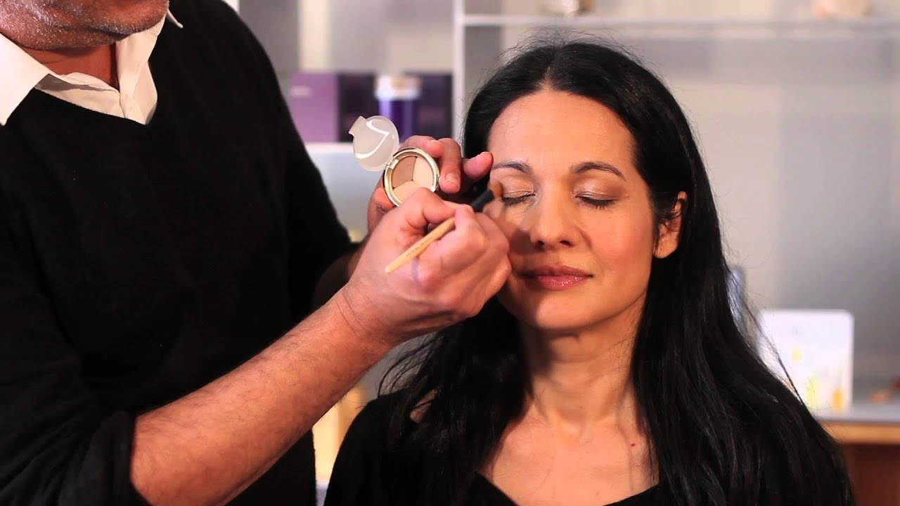 all-natural, light reflecting makeup for women over 40 : perfect