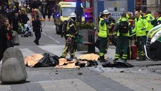 В Стокгольме грузовик врезался в толпу людей