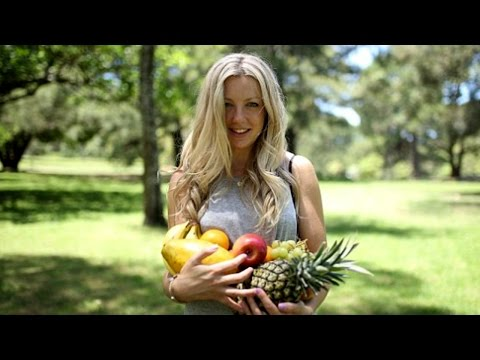 Lola Berry Interview | Andy Chats With Celebrity Nutritionist
