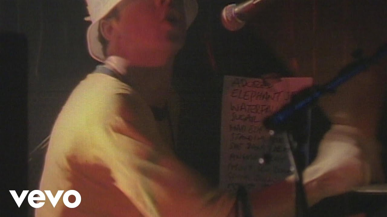 the-stone-roses-she-bangs-the-drums-live-in-blackpool-stonerosesvevo-1512324535