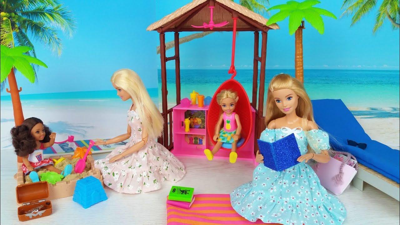 Dos muñecas Barbie Dos Ken Mañana Dormitorio Rutina de baño con dos pequeños bebés lindos @Barbie