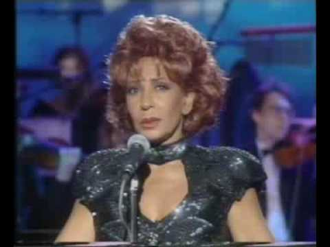 Shirley Bassey - Des O'Connor Show - Eleanor Rigby & Who Wan