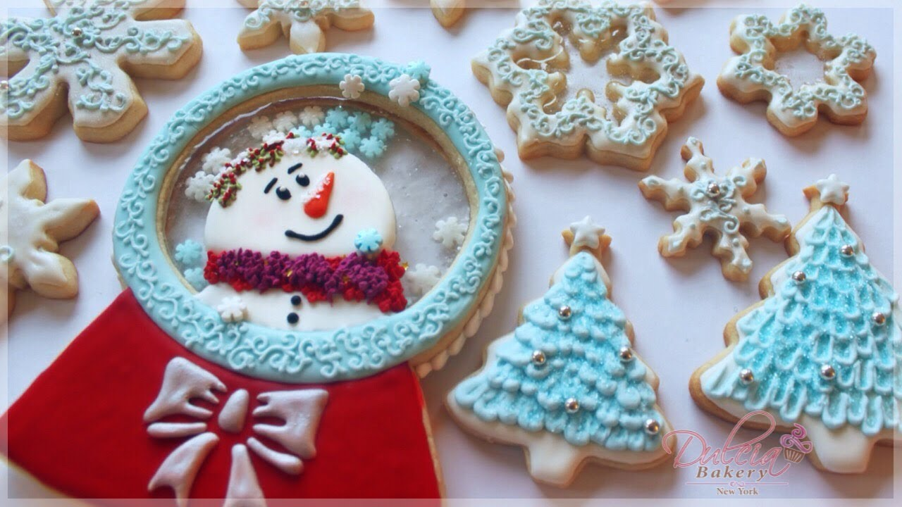 Decorated Snowman Christmas Snow Globe Cookie