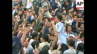 INDONESIA: RIOT POLICE CLASH WITH ANTI GOVERNMENT PROTESTERS