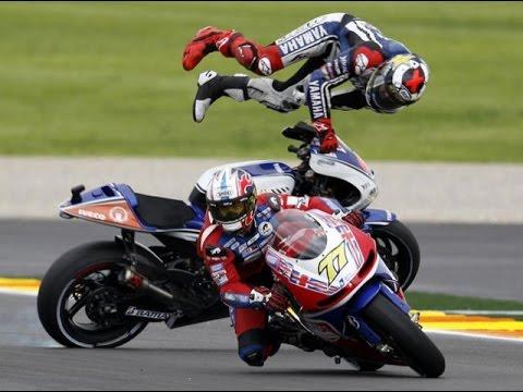 Les Crashs les plus VIOLENTS du Moto GP !