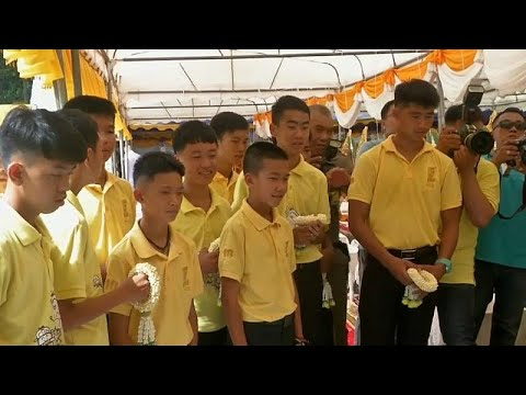 -فتية الكهف- التايلانديون يؤسسون فريق كرة قدم جديد بعد عام من إنقاذهم…  - نشر قبل 44 دقيقة