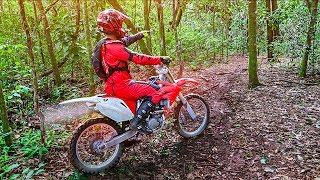 explorando-a-trilha-da-macumba-com-a-moto-de-trilha-