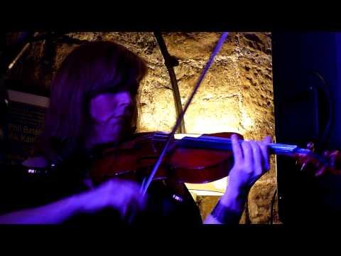 Phil Bates Acoustic Trio : Violin Solo - The Keys. 15 March 2014 ELO