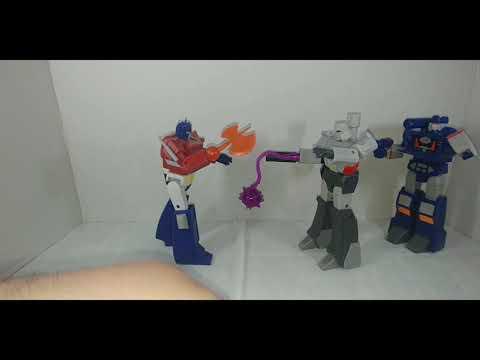 Chuck's Reviews Transformers RED Wave 01 Optimus Prime, Soundwave, and Megatron