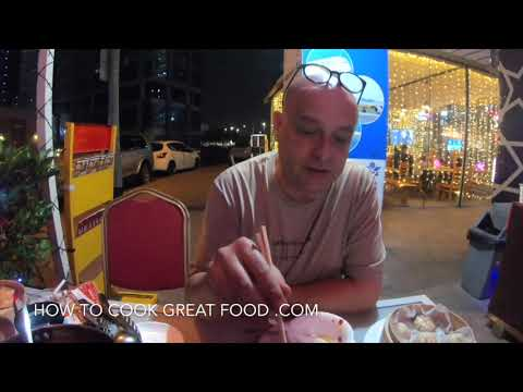 Eating Chinese Food In Dubai - Cook on the table Hotpot - Handmade Chinese Dumplings - Xian Tang Lou