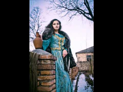 Азербайджанские национальные костюмы 2012_0001.avi
