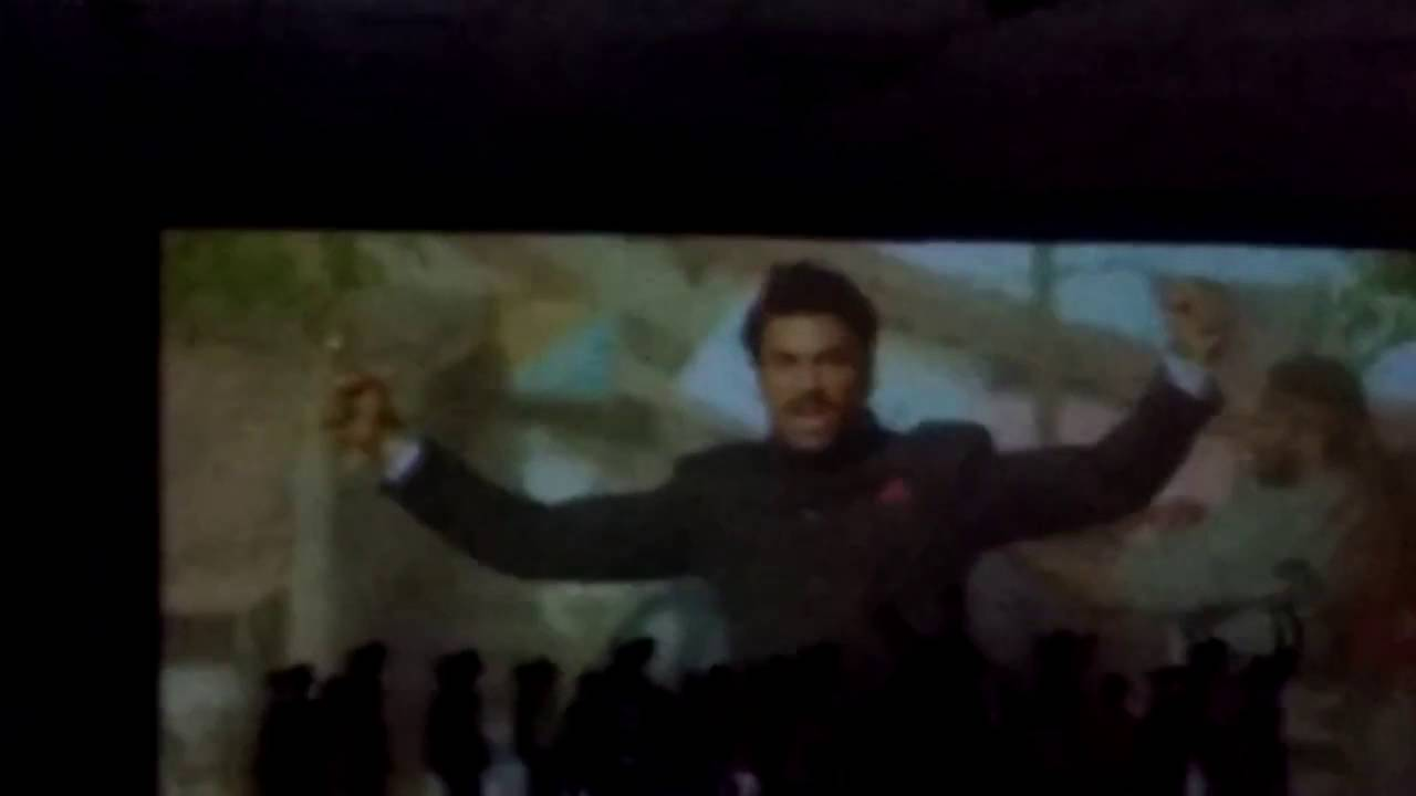 Pawan Kalyan entrance in sardaar gabbarsingh movie fans response in threatre must watch dont miss it